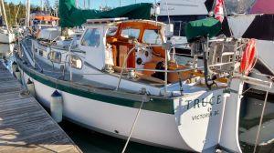 Truce pre purchase inspection at Canoe Cove Marina Vancouver. Photo Ray Penson