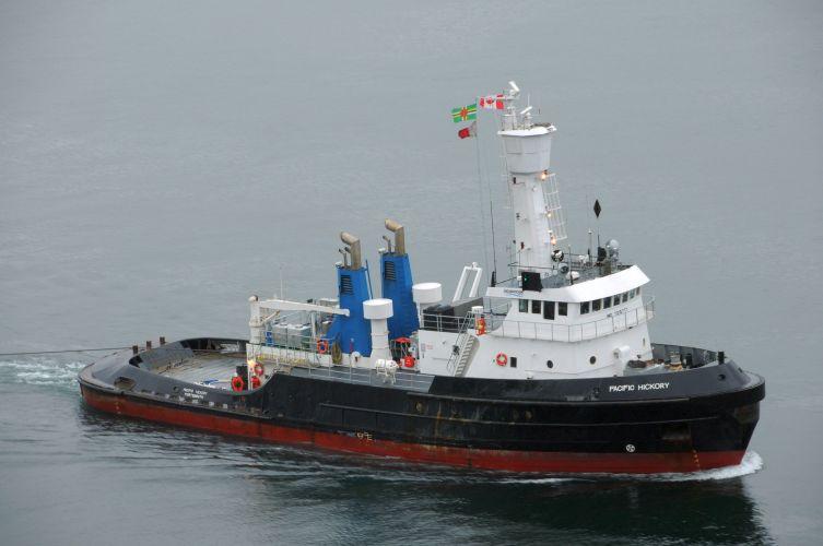 The tug boat 'Pacific Hickory, Photo Ray J Ordano