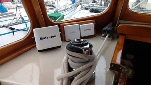 YACHT+TRUCE+AIS+display+installed+in+the+'Wheelhouse'