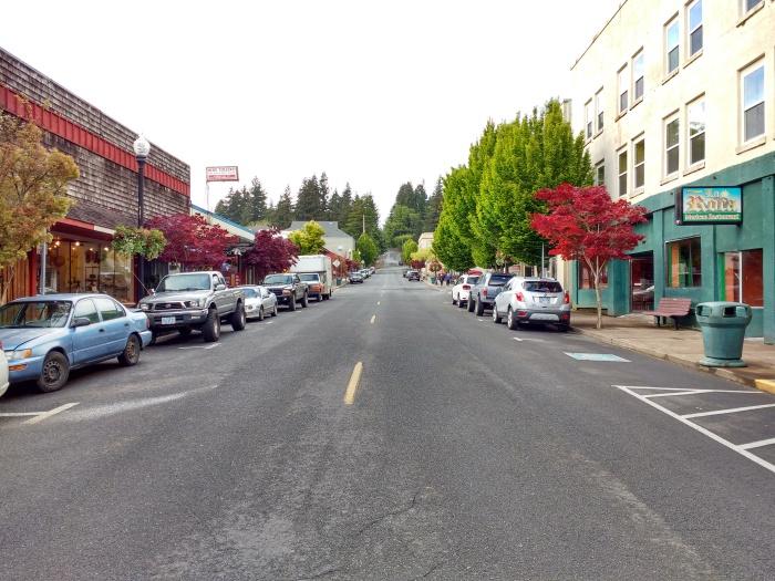 Main Street Toledo. Photo Ray Penson jpg