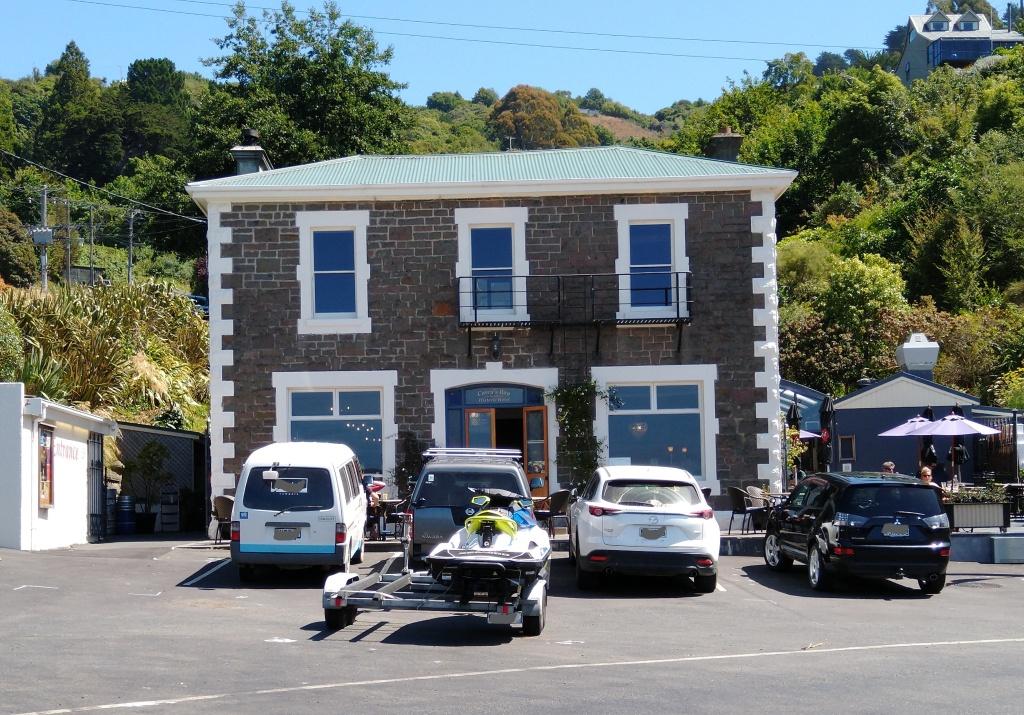 Carey's Bay Historic Hotel. Photo Ray Penson