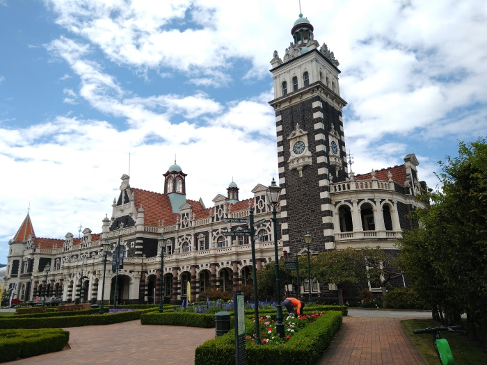 Dunedin Railway Station. Photo Ray Penson
